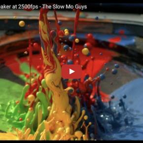 Farbe in einem Lautsprecher: The Slow Mo Guys